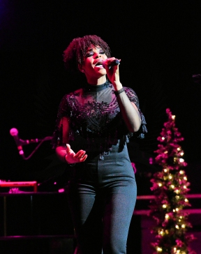 Demetria McKinney @ Fantasia's Christmas after Midnight Tour @ DPAC